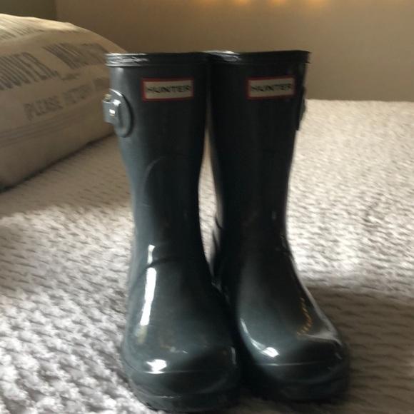 Glossy Grey Hunter Boots.